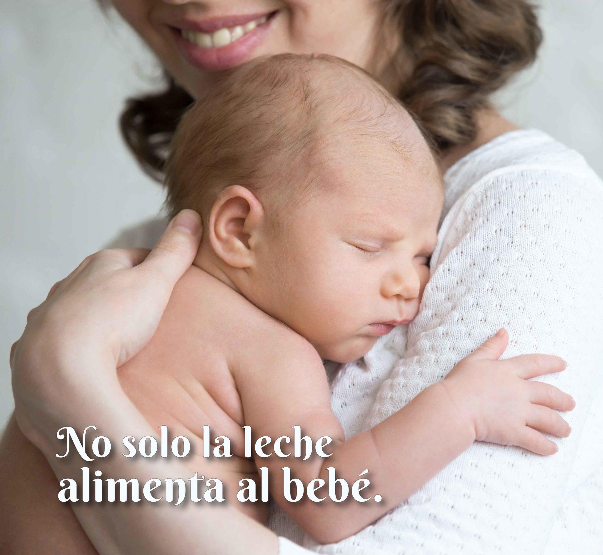 No sólo la leche alimenta al bebé