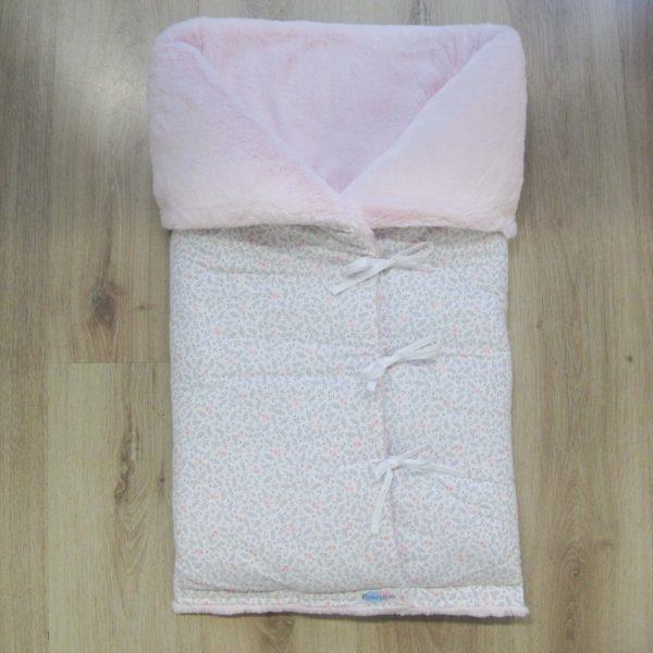 SACO-BEBE-CAPAZO-TELA-FLORES-rosas-grises-pelo-rosa