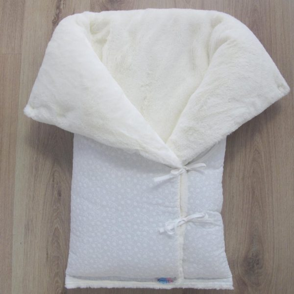 SACO-BEBE-CAPAZO-TELA-bordada-Girasoles-pelo-blanco