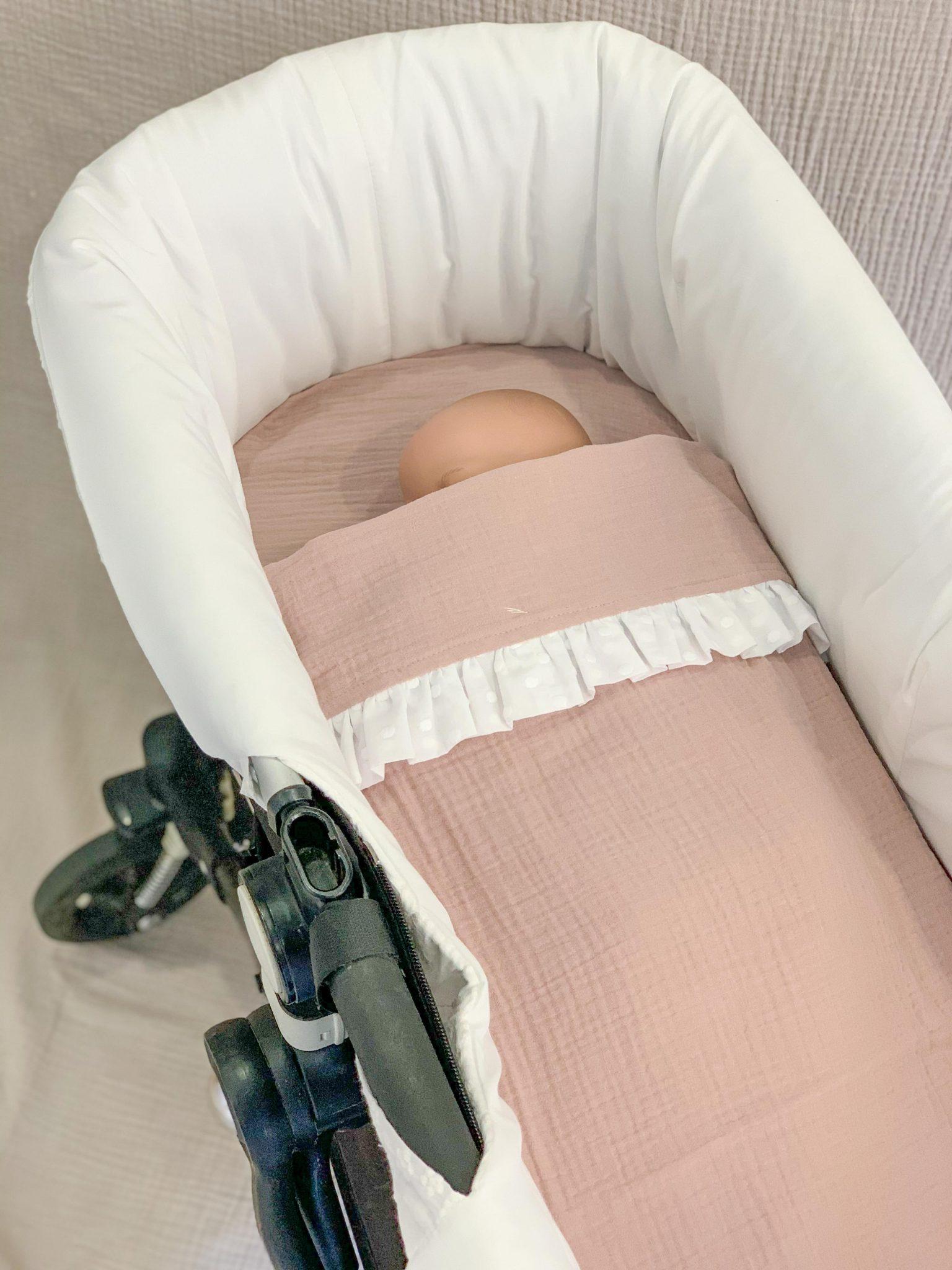 ¿ Cómo vestir el carrito de un bebé ? En Mimitos Home te ayudamos.